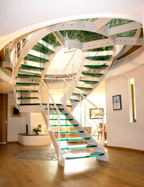 Double-sided staircase - Schaffner