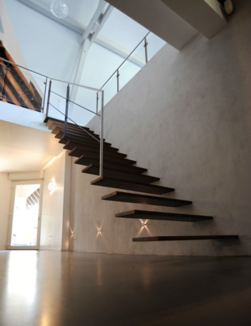 Wall-mounted staircase - Schaffner