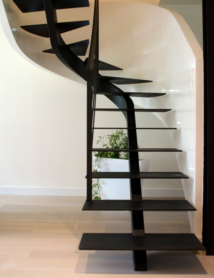 staircase with a central stringer schaffner. Black Bedroom Furniture Sets. Home Design Ideas