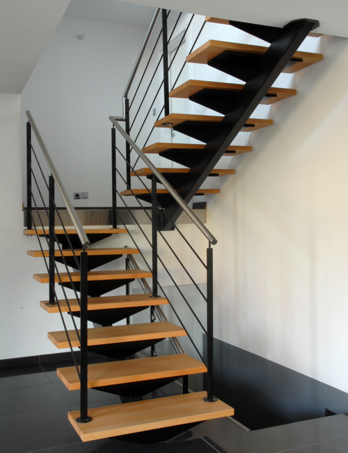 staircase with a central stringer schaffner. Black Bedroom Furniture Sets. Home Design Ideas