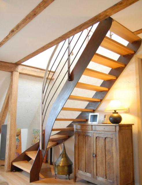 escalier 1 4 tournant haut droit fabulous escalier tournant droit en sapin normandie burger. Black Bedroom Furniture Sets. Home Design Ideas