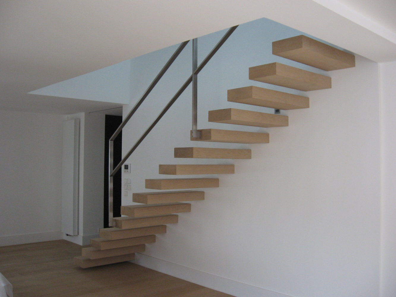 Escalier Marches Suspendues Mur wall-mounted staircase - schaffner